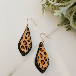 Jewelry - Black leopard leather dangles
